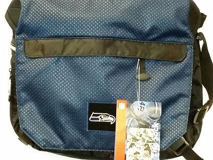 Amazon.com   NFL Sport Messenger Bag b87ffb5a53da