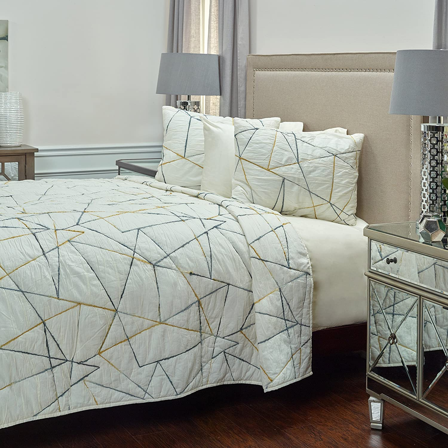 Rizzy Home QLTBQ4189IV001692 Quilt, Ivory, King