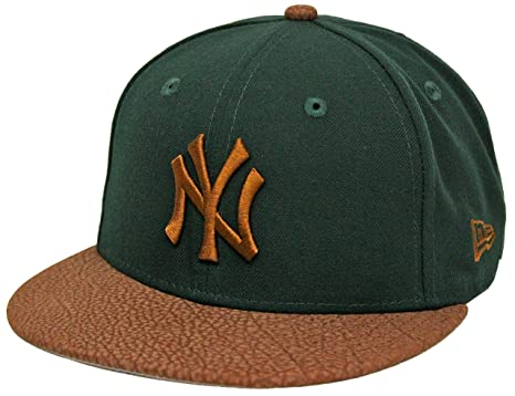 70a69f34ae5d7 New Era 59Fifty Rugged Leather New York Yankees Green Brown Fitted Cap (7 1
