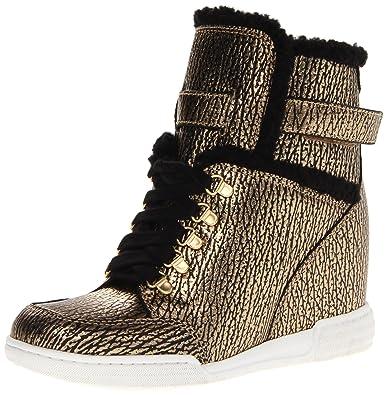 b67ef382f3f7 Amazon.com  Marc by Marc Jacobs Women s Metallic Fashion Sneaker  Shoes