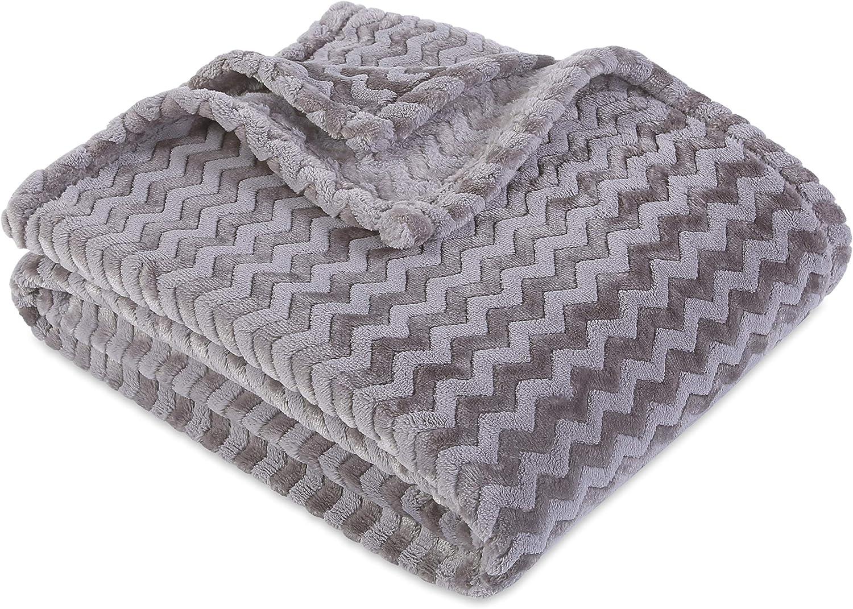 GNOME Blanket  Most Adorable 50X60 GRAY   Plush Fleece Snuggle Soft Throw   NEW
