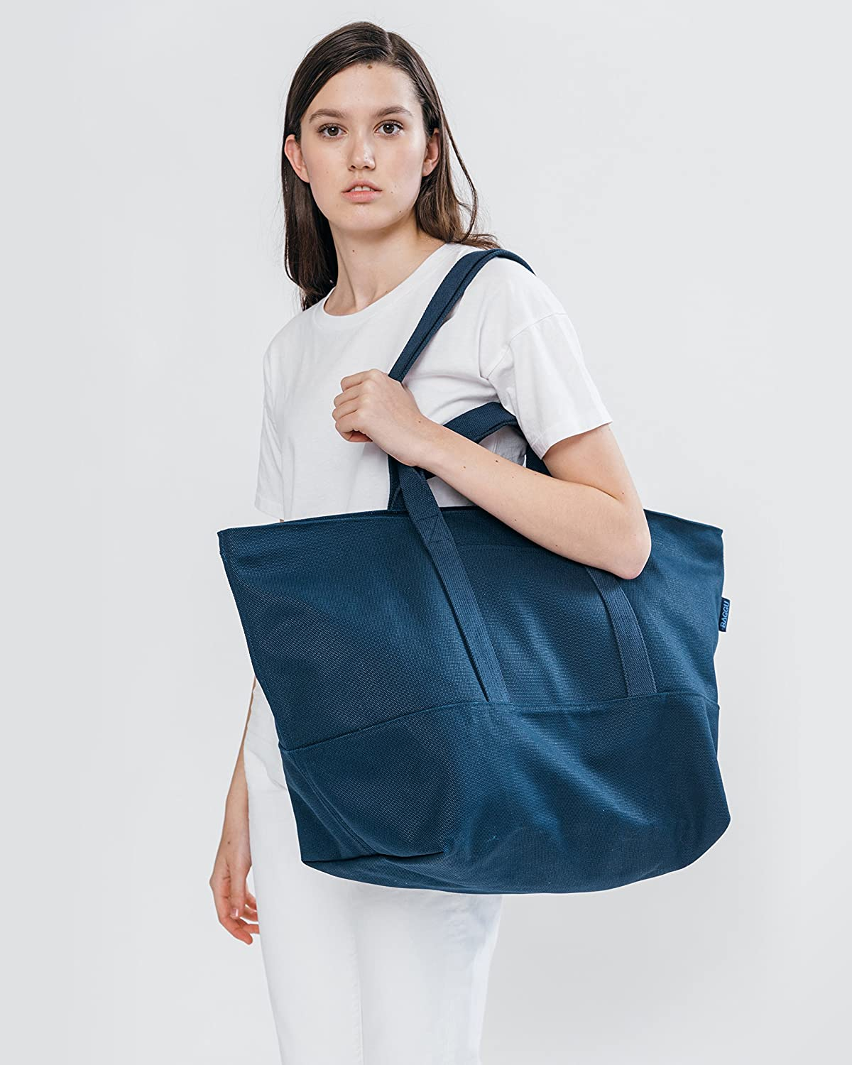 BAGGU Womens Weekend Bag Roomy and Durable Canvas Carry-on Travel Tote