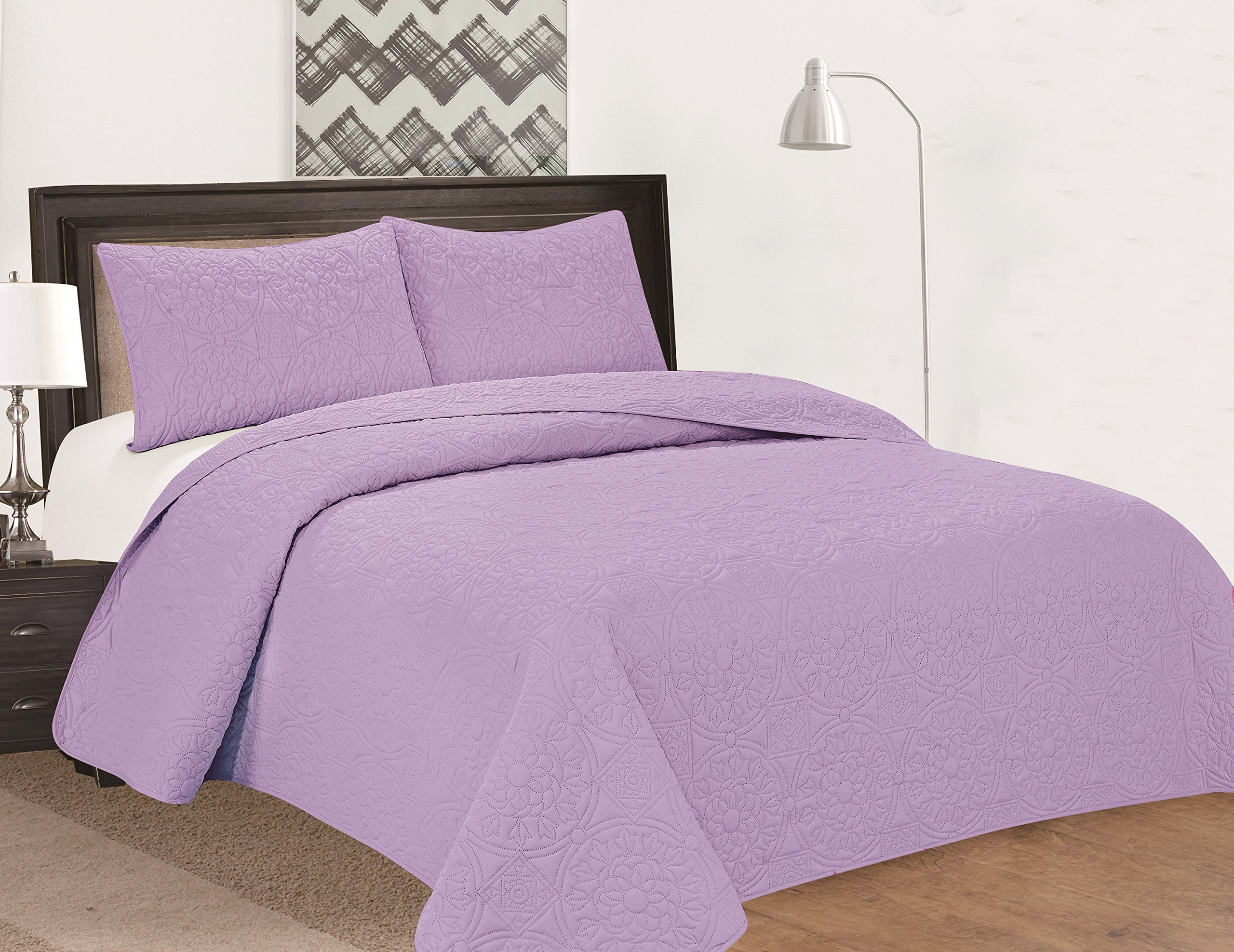 Royal Home Decor Extra Oversized 3-pc Bedspread Set with Medallion Pattern (King, Lilac)