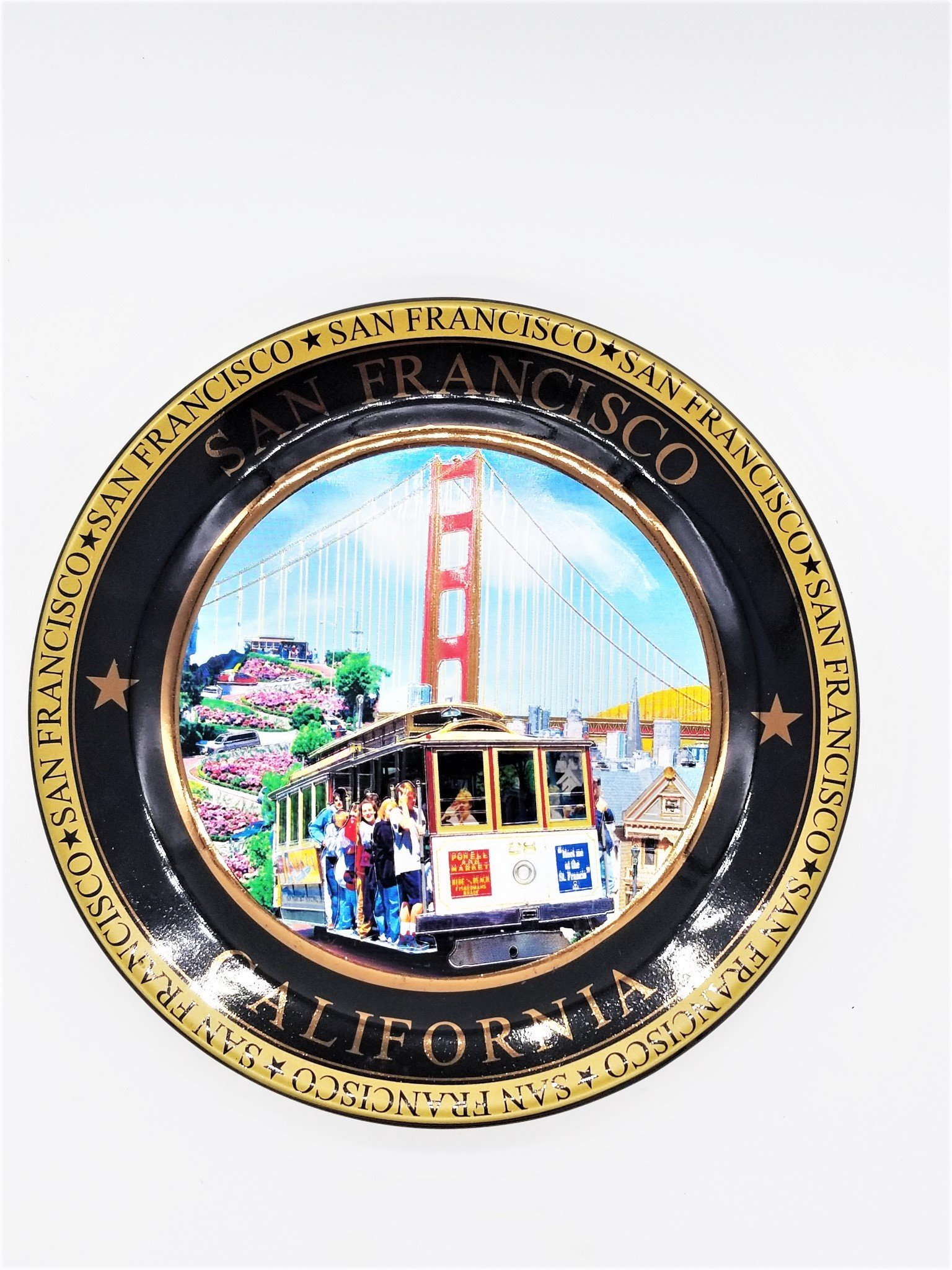 (44 7/18) San Francisco Color Collage Collectors Souvenir Plate 8'' Golden Gate Bridge Cable Car With Copyrighted CA Bear Magnet by City Coffee Mugs