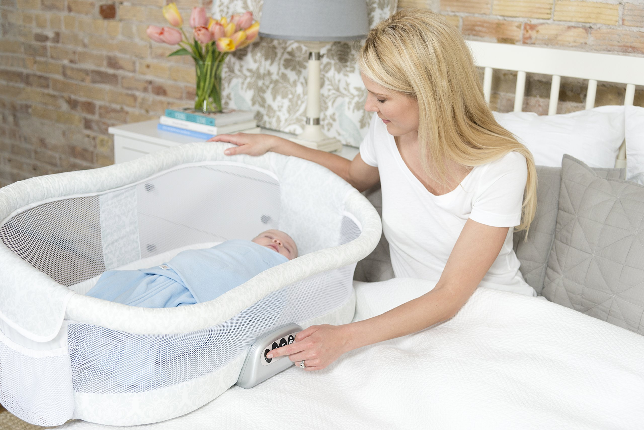 HALO Bassinest Swivel Sleeper – Premiere Series Bassinet by Halo (Image #12)
