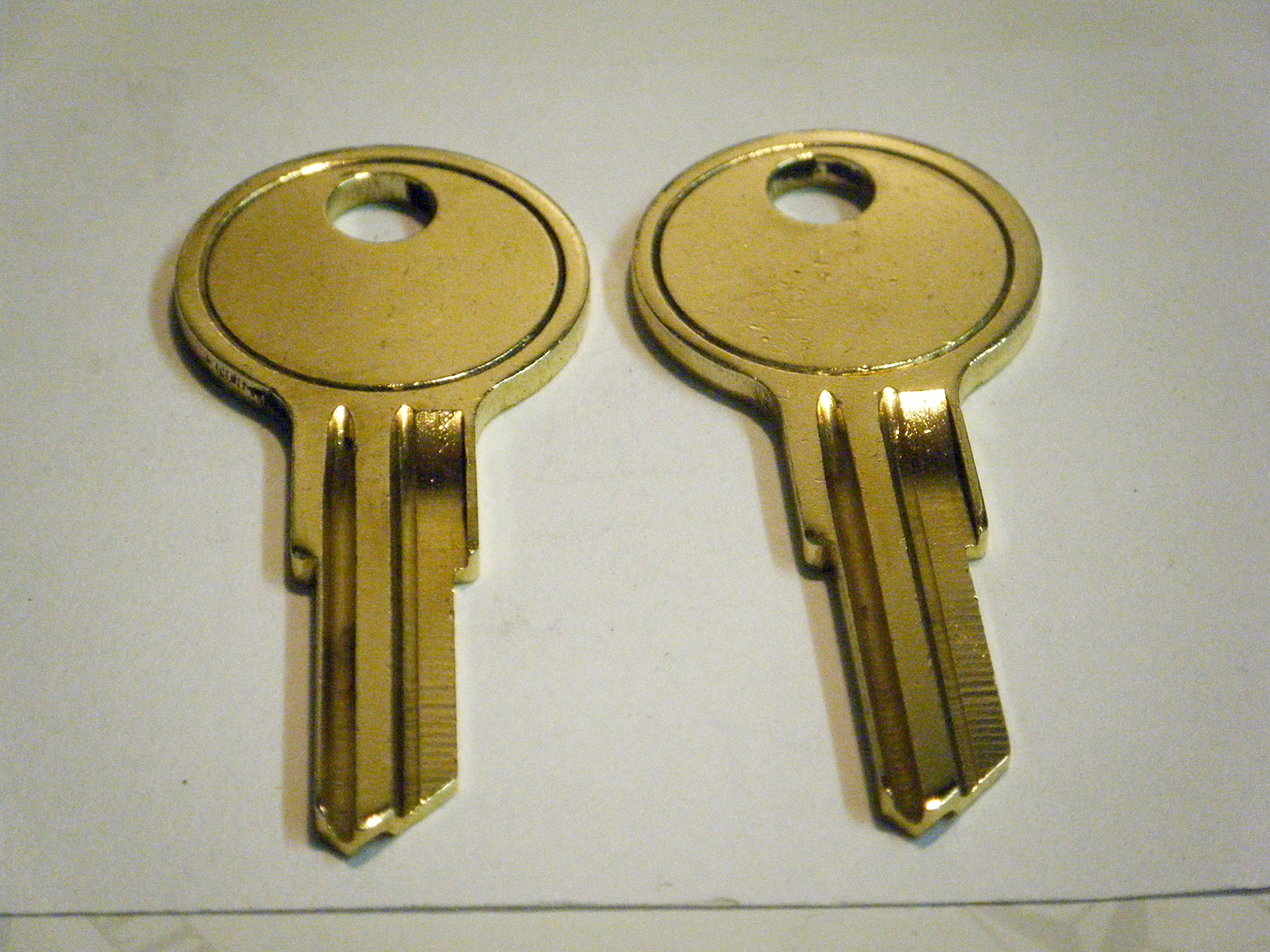 UWS Toolbox Keys Code Cut Lock/Key Numbers From CH501 To CH510 Truck Tool Box Lock Key By Ordering These Keys You Are Stating You Are The Owner. (CH505)