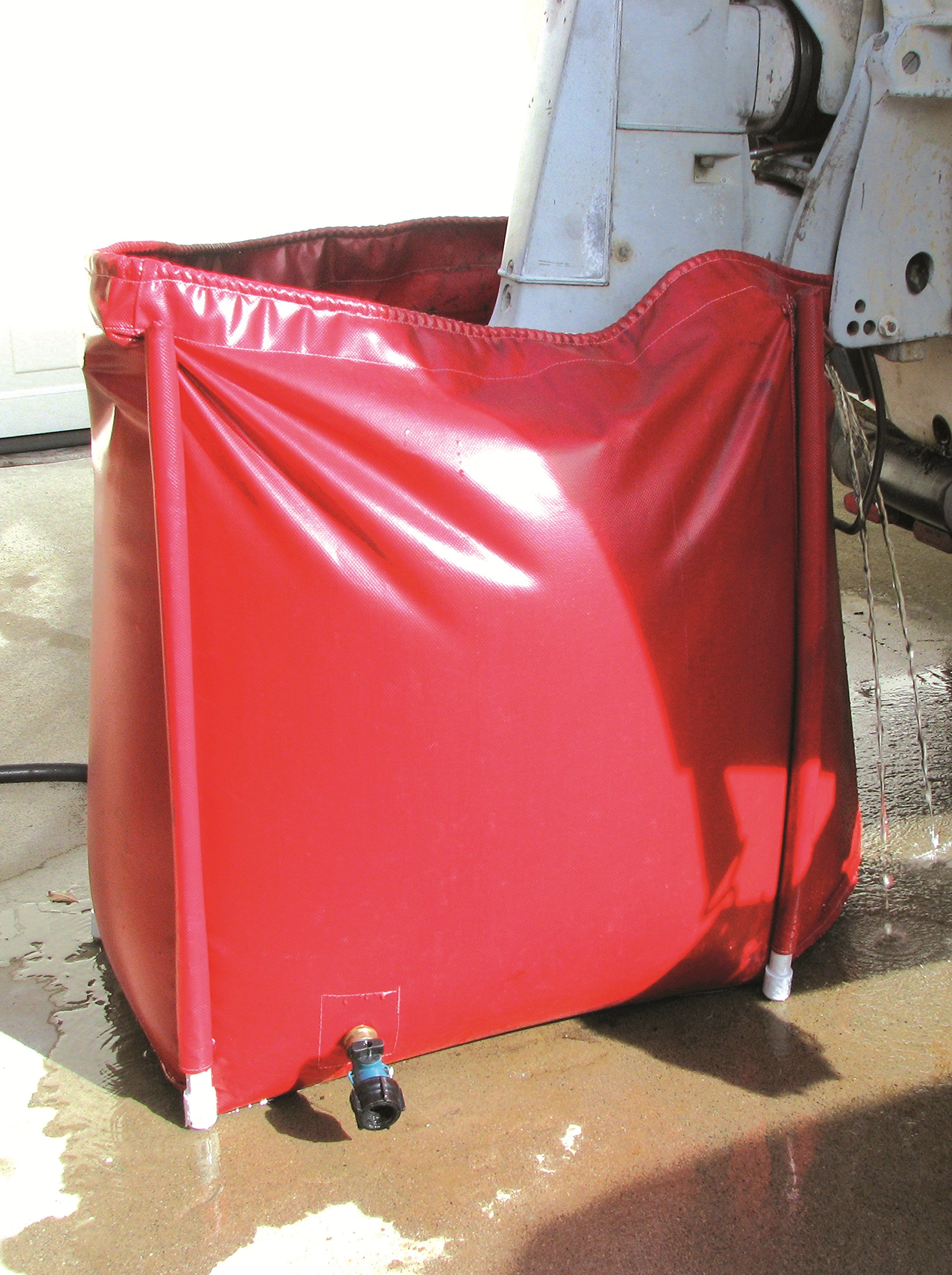 Outboard Motor Flushing Bag Model DPB3 for Outboard Engines up to 250 HP & Stern drives including Dual Prop & Service Test Tanks. Made In the USA.