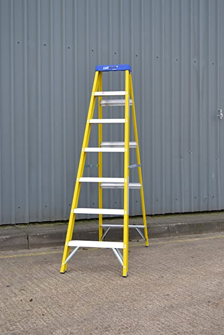 Youngman S400 Catwalk Fibreglass Fibre Glass Step Ladder 7 Tread Catwalk  30,000v