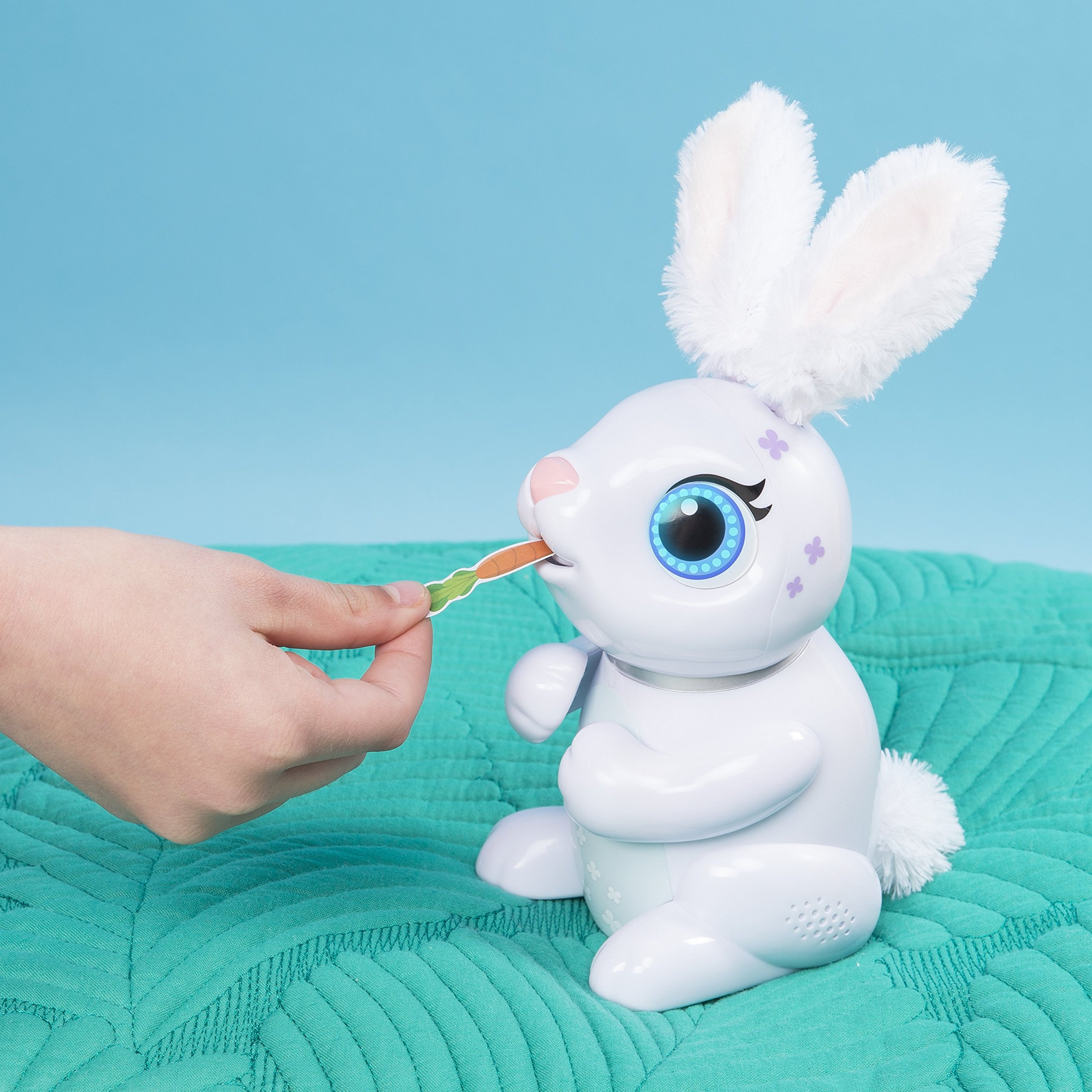 Zoomer Hungry Bunnies Chewy, Interactive Robotic Rabbit That Eats, Ages 5 & Up by Zoomer (Image #6)