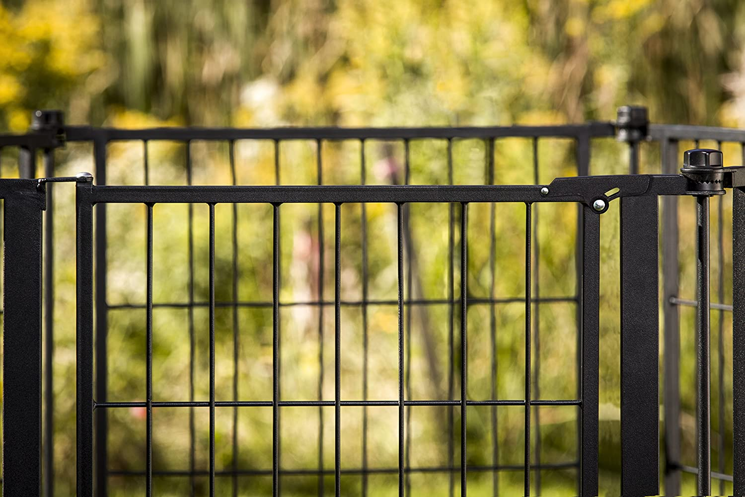 Amazon.com: Carlson Pet Weather Resistant 144-Inch Wide Pet Gate and ...