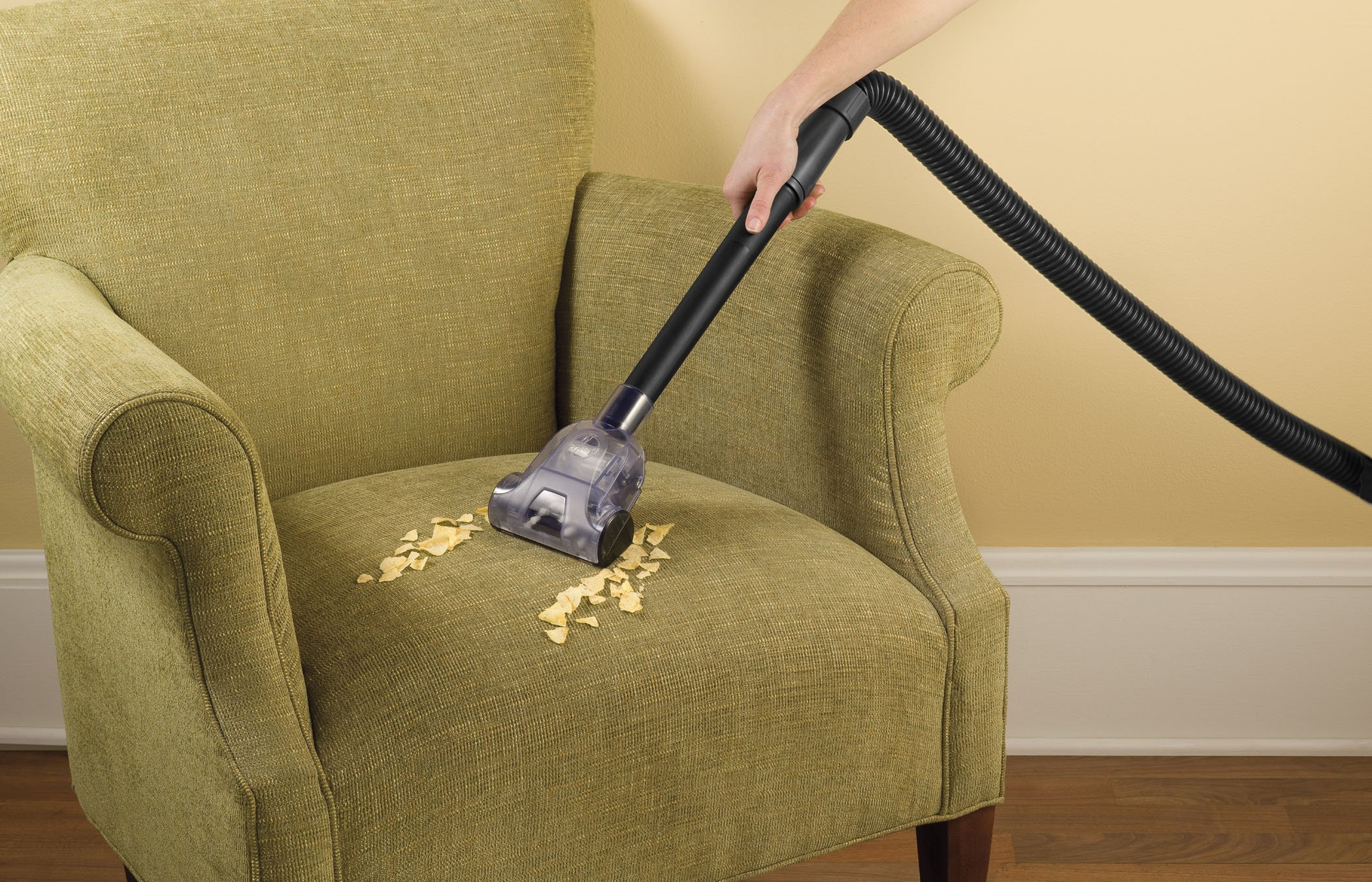 Hoover Vacuum Cleaner T-Series WindTunnel Corded Bagged Upright Vacuum UH30300 by Hoover (Image #7)