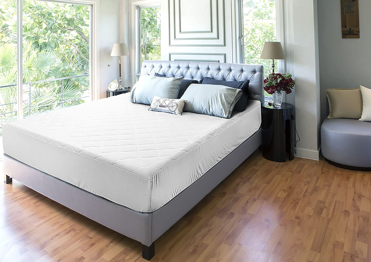 Quilted Fitted Mattress Pad (King) - Mattress Cover Stretches up to 16 Inches Deep - Mattress Topper by Utopia Bedding