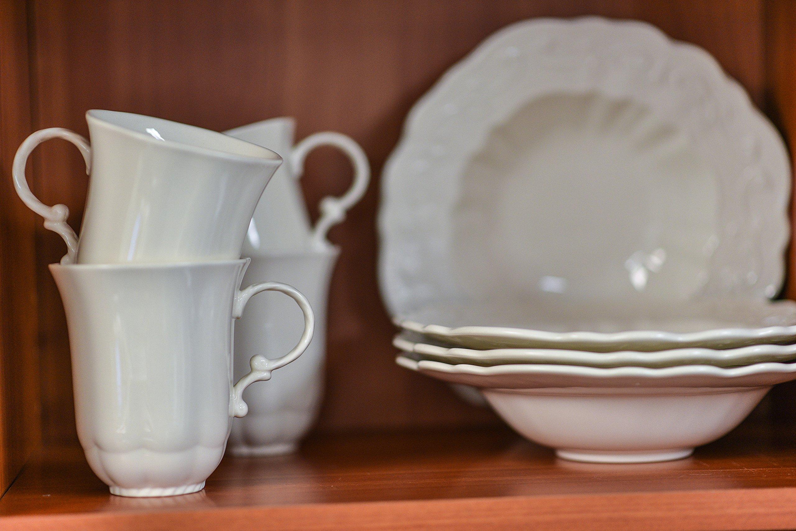 "Red Vanilla FQ900-005 Country Estate 5-Piece Serveware Set, White - (1) Vegetable Bowl 9.5"" 90 oz., (1) Covered Sugar Bowl 12 oz., (1) Creamer 10 oz., (1) Round Platter 13"" Made of Stoneware Dishwasher Safe - kitchen-tabletop, kitchen-dining-room, dinnerware-sets - 91hxL1Lo4oL -"