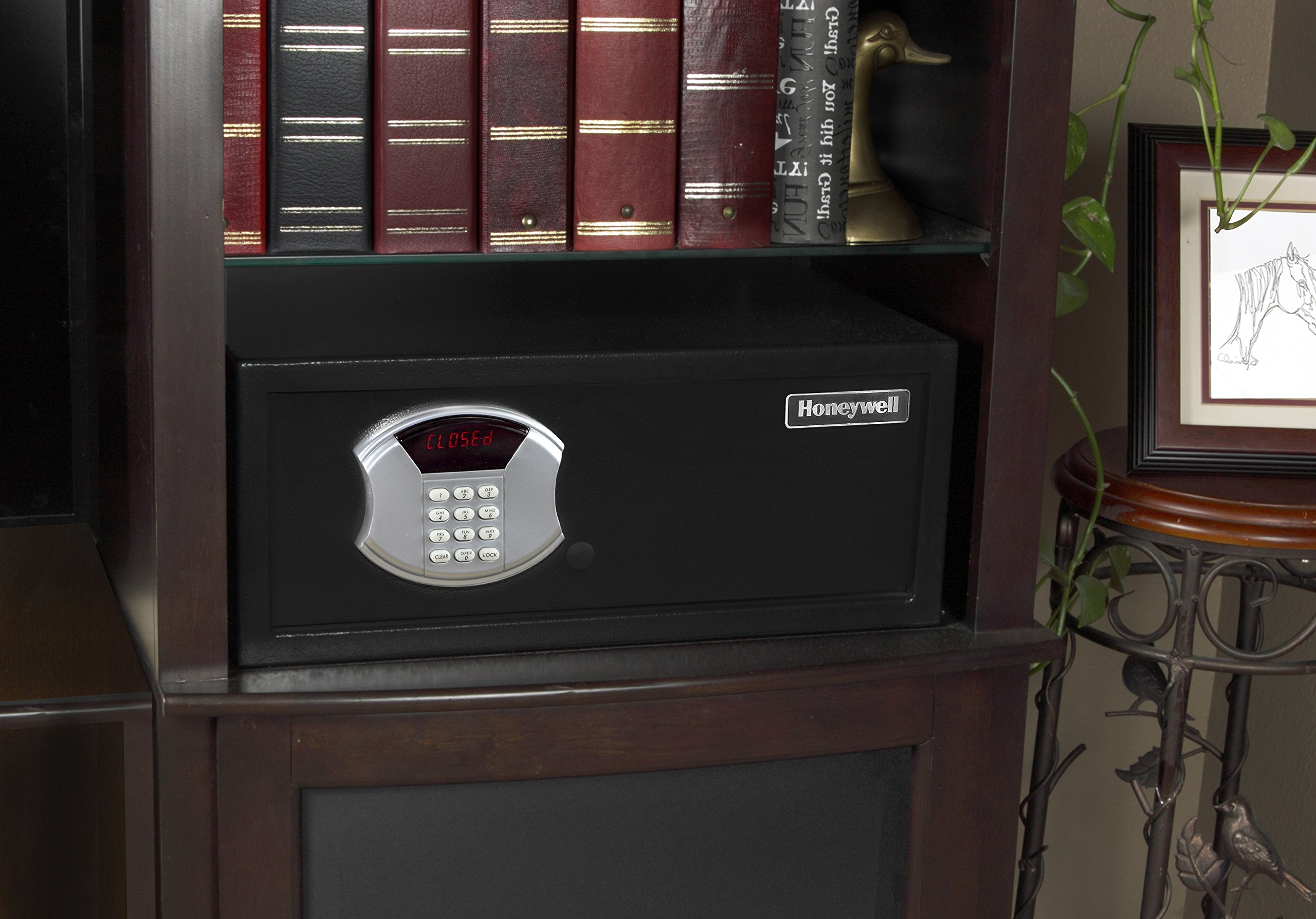 Honeywell 5105DS Low Profile Steel Security Safe with Hotel-Style Digital Lock, 1.10-Cubic Feet, Black by Honeywell Safes & Door Locks (Image #6)
