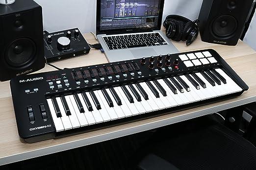 M-Audio Oxygen 49 IV - Teclado controlador MIDI USB con 49 teclas y pads sensibles a la intensidad, sistema DirectLink de asignación automática, VIP 3.0 y paquete de software incluido: Amazon.es: Electrónica
