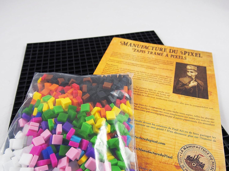 La Manufacture Du Pixel Pixel Art Craft Creative Hobby Mosaic Fun Make Your Own Art Tin Collection Frame And 900 Pixels Kit Black Amazon Co Uk Toys Games