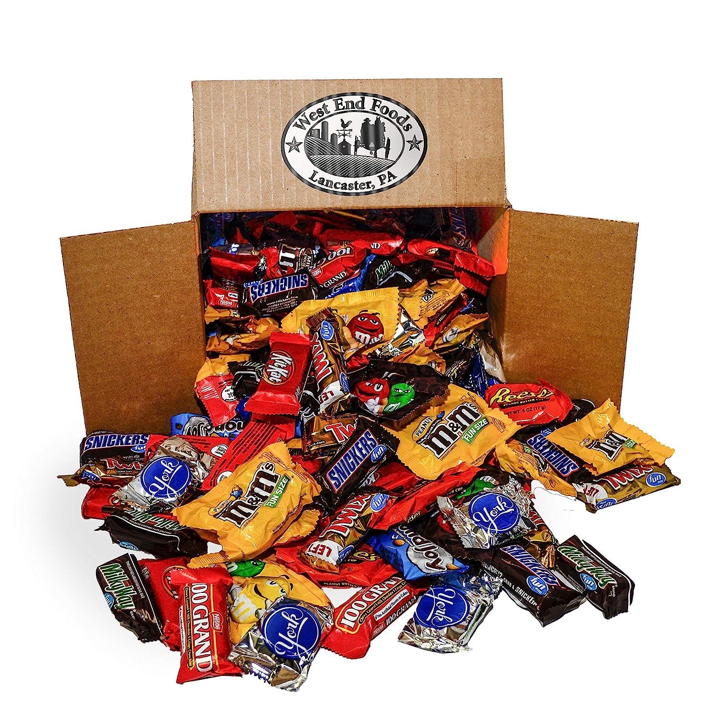 Bundle of chocolate Candy Assortment (5.6 lb Bag) Reese's, Milky Way Bars, M&Ms, Snickers, Peanut M&Ms, Twix, Kit Kat, Almond Joy, York, 100 Grand