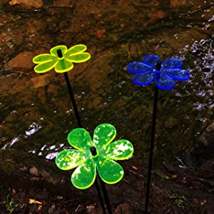 Suncatcher Garden Ornaments Daisy, Set of 3 Medium Decorative Garden Stakes, Outdoor Yard Accessory, Great Gardeners Gift, Colour:Yellow/Green/Blue