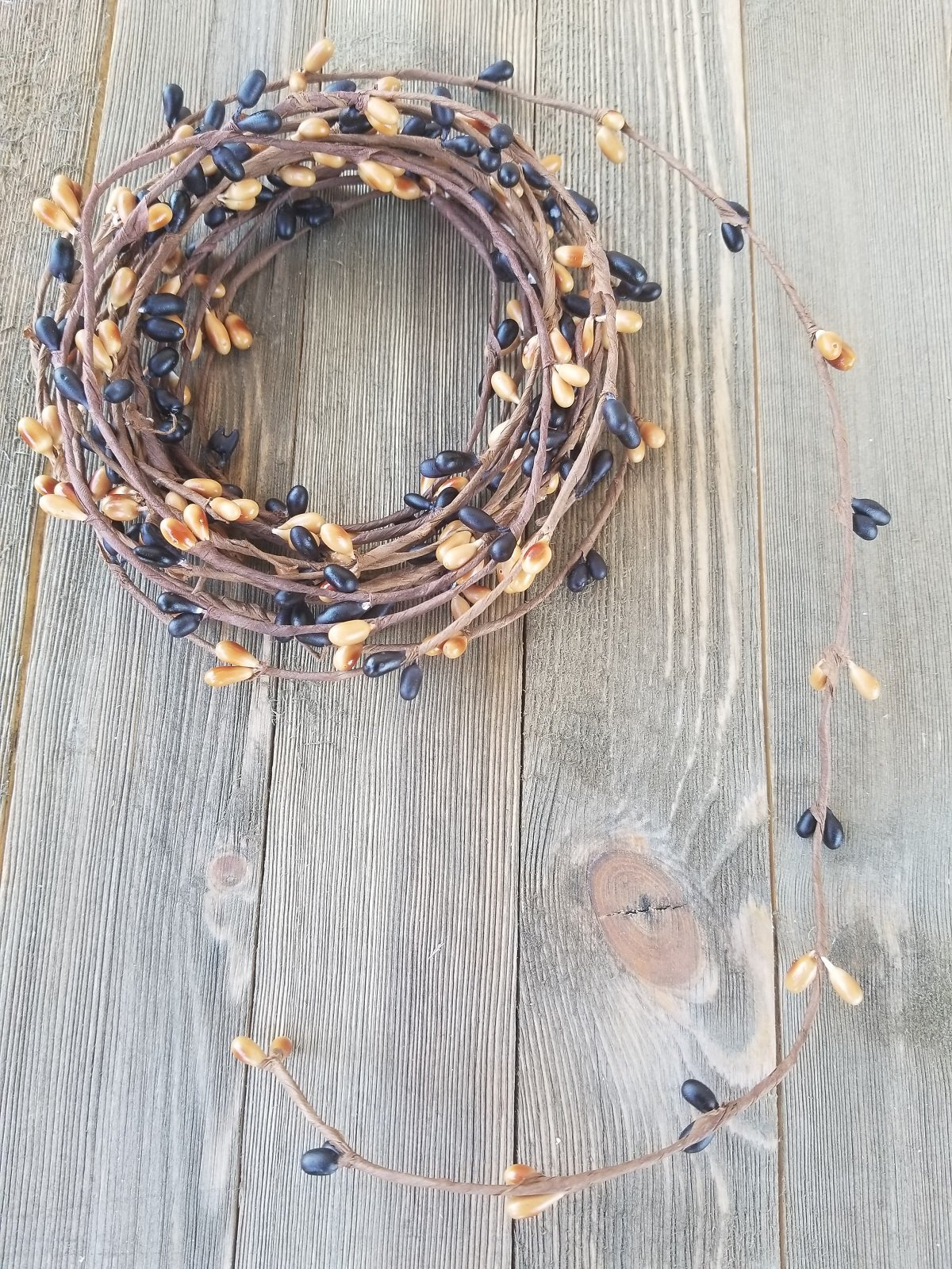 Black & Tan Pip Berry Single Ply Garland 18' Country Primitive Floral Craft Decor - 3 Strands of 6' Garland that Can Be Utilized Separately or Twisted together to Equal 18 Feet Of String Garland
