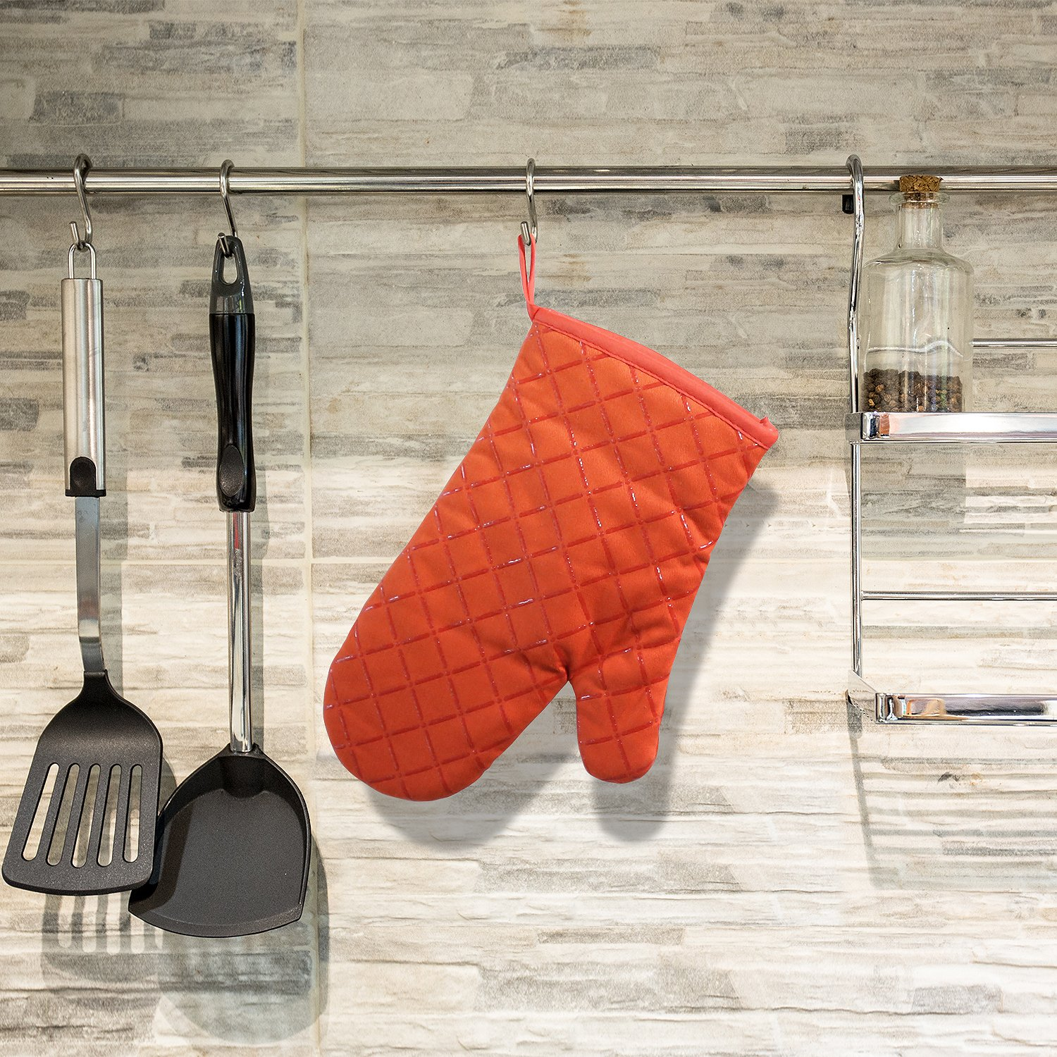 Homever Silicone Oven Mitts, Heat Resistant with Recycled Cotton Infill, Flexibility Non-Slip Kitchen Oven Gloves for Baking and Kitchen (Orange)