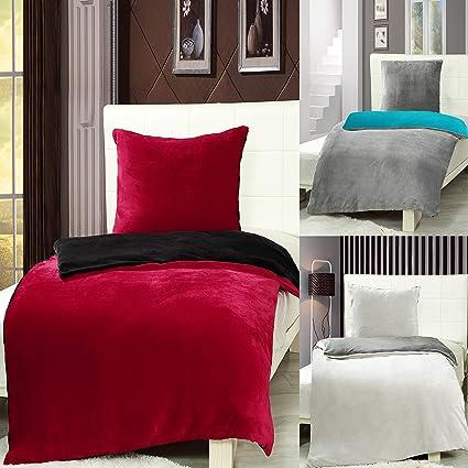 7dreams® Cashmere Touch Bettwäsche 135 x 200 cm + 80 x 80 cm - Rot/Schwarz - Plüsch Winter Wendebettwäsche - besonders weich