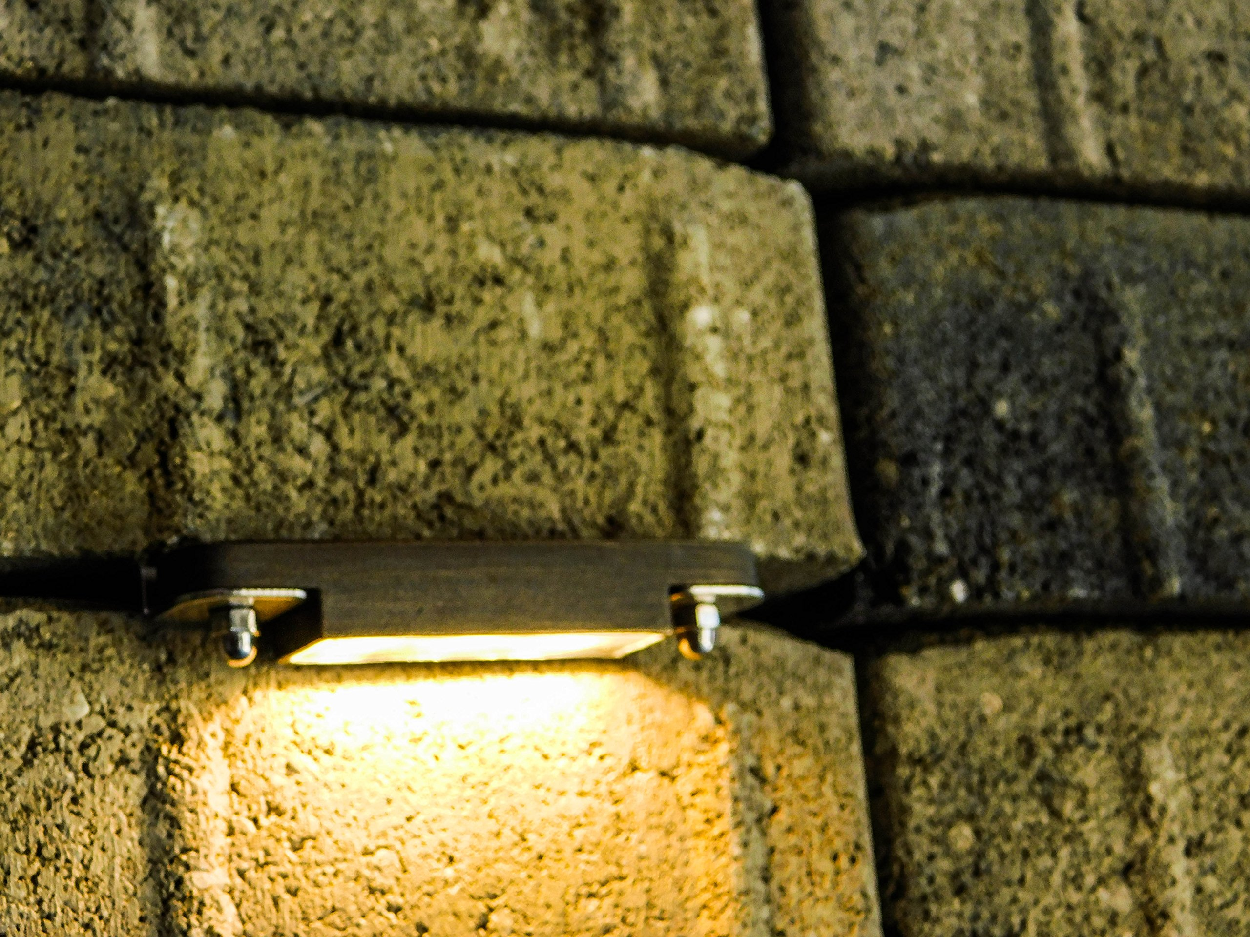 LFU 20 Pack of Leo Brass Hardscape LED Paver Light. Built in 1W LED. Low Voltage. Antique Bronze Finished. LF5020AB-LED. 3 Inches Long.
