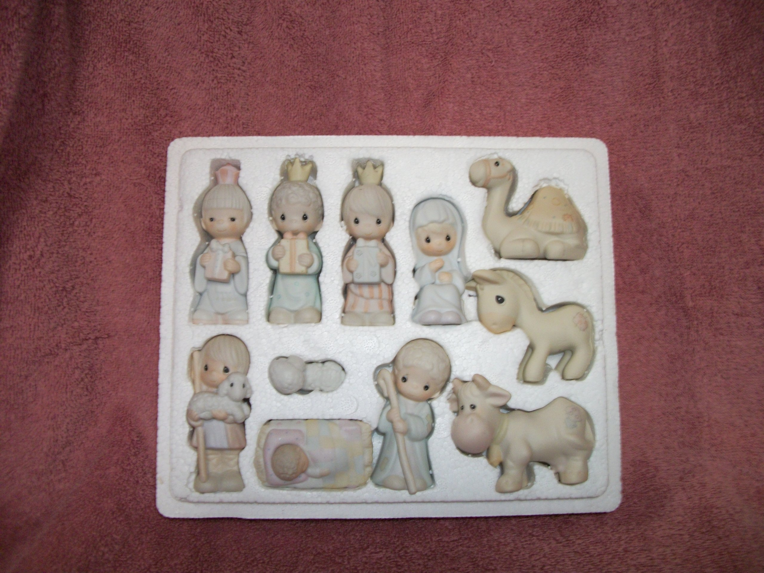 Precious Moments Set of 11 Mini Nativity Figurines