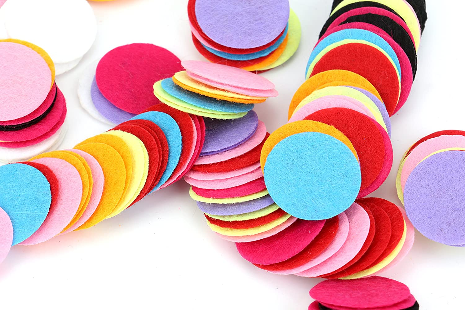 Foraineam 200 pc Mixed Color Assortment 25mm/1 inch Felt Circles 6262590