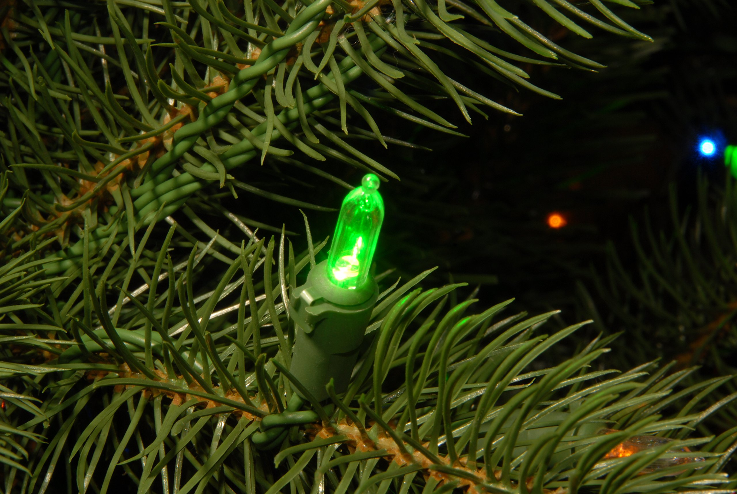 National Tree 7.5 Foot ''Feel Real'' Downswept Douglas Fir Tree with 750 Dual Color LED Lights and On/Off Switch, Hinged (PEDD1-312LD-75X) by National Tree Company (Image #4)