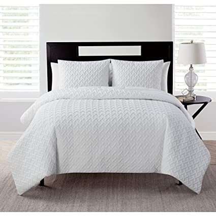 61e460dde082 Image Unavailable. Image not available for. Color  VCNY Home Nina Embossed  Geometric 3 Piece Bedding Comforter Set Full Queen White