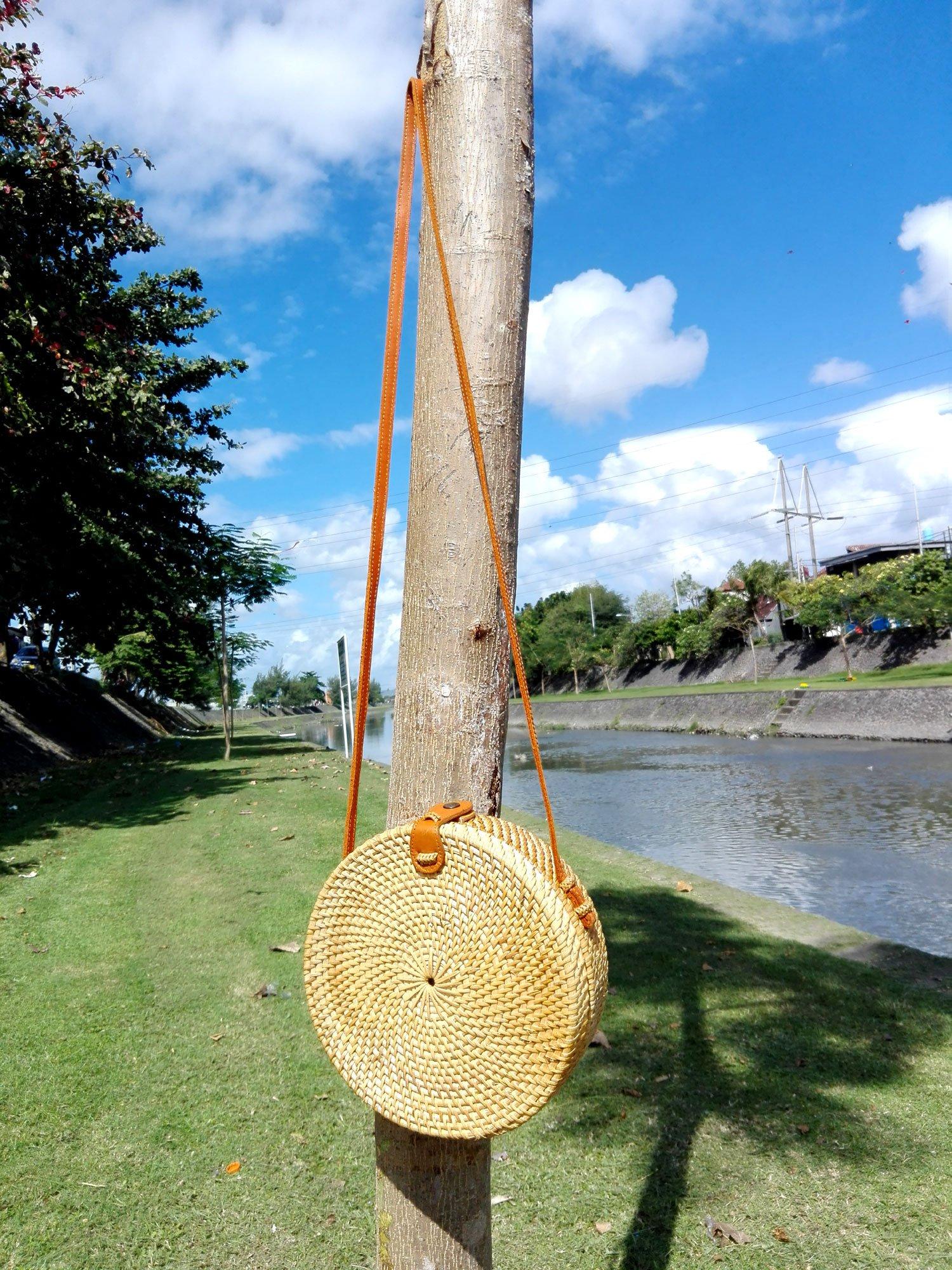 Bali Rattan - Handwoven Round Rattan Bag (Plain Weave Leather Closure) by Bali Rattan (Image #9)