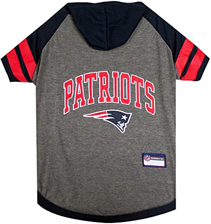 1b3030129 Amazon.com   NFL New England Patriots Hoodie for Dogs   Cats.