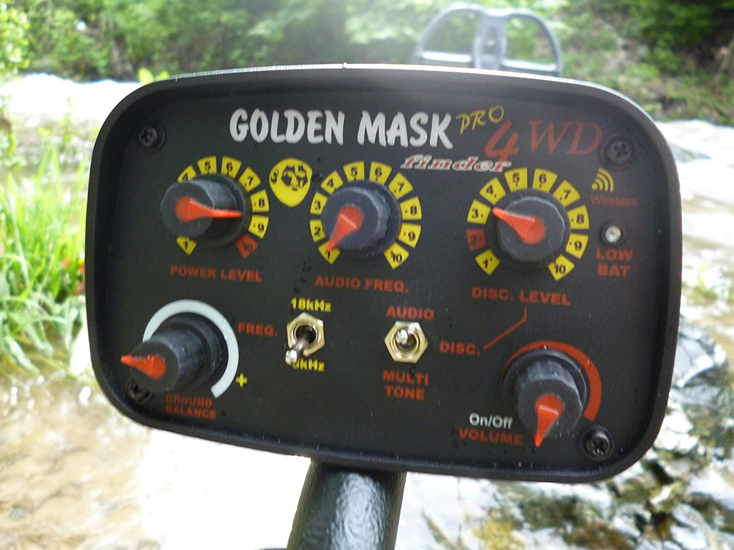 Amazon.com : Golden Mask 4wd Dual Freq 8-18khz with Wireless Headphones : Costume Masks : Garden & Outdoor