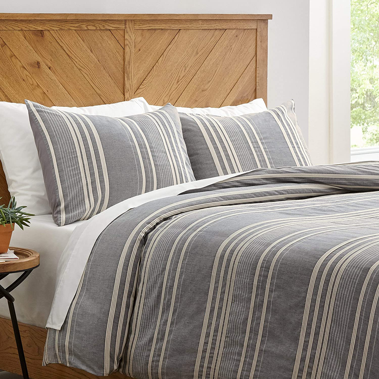 Stone & Beam Casual Pleated Stripe 100% Cotton Duvet Cover Set, Easy Care, Full/Queen, Chambray