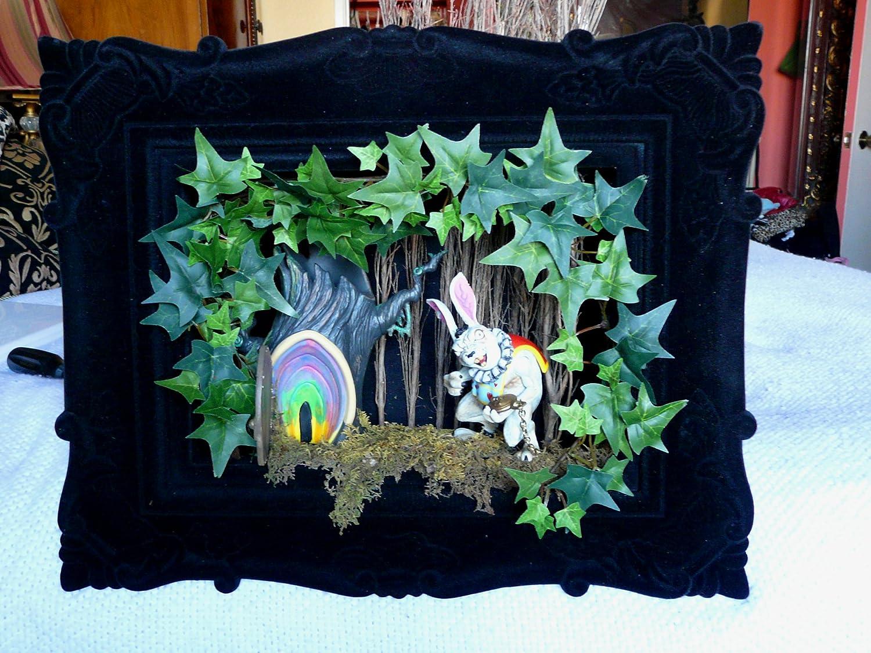 à couper le Souffle  Mot-Clé Amazon.com Alice in Wonderland Horror Diorama Everything Else