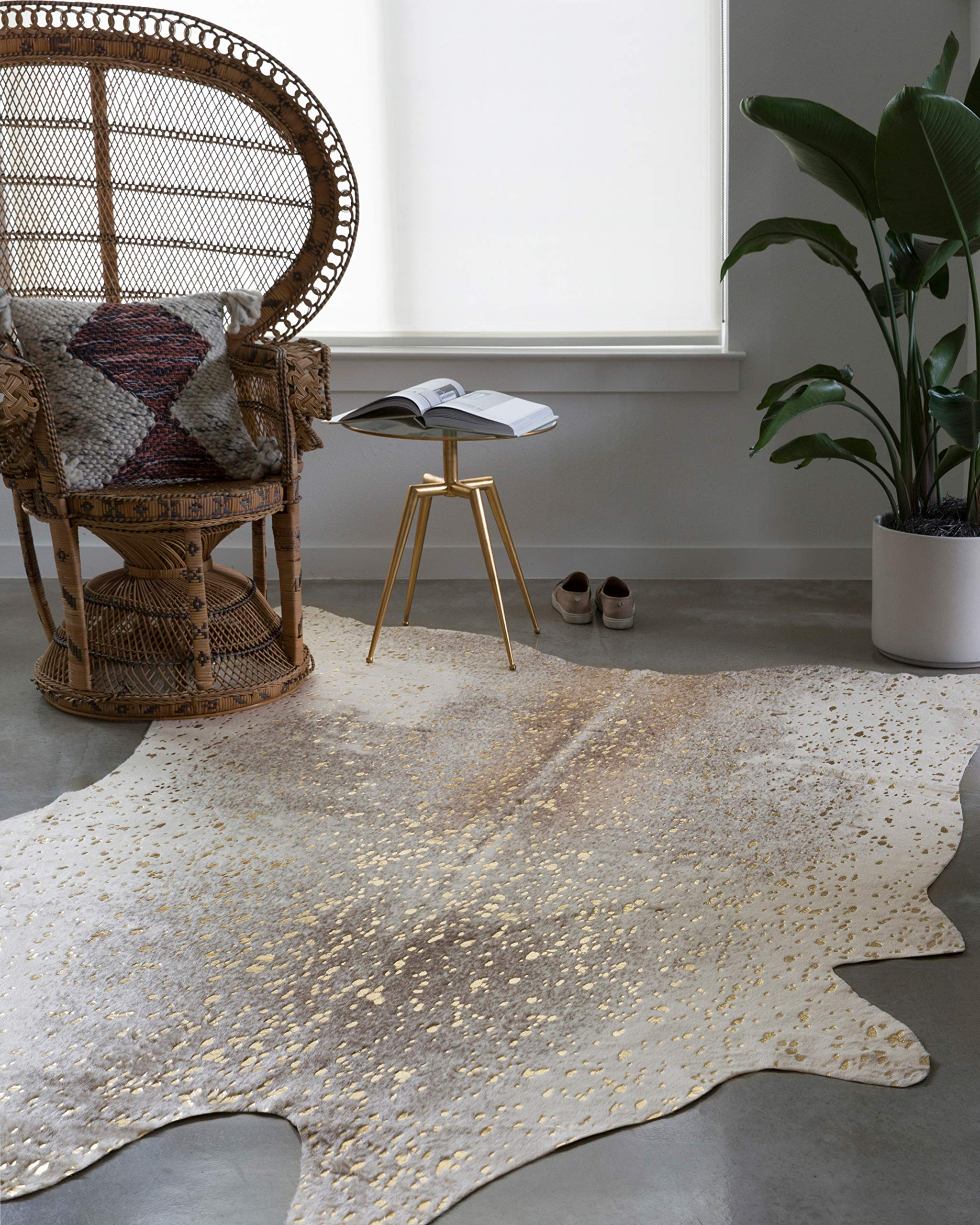 """Loloi II Bryce Collection Faux Cowhide Area Rug, 3'10"""" x 5', Pewter/Gold"""