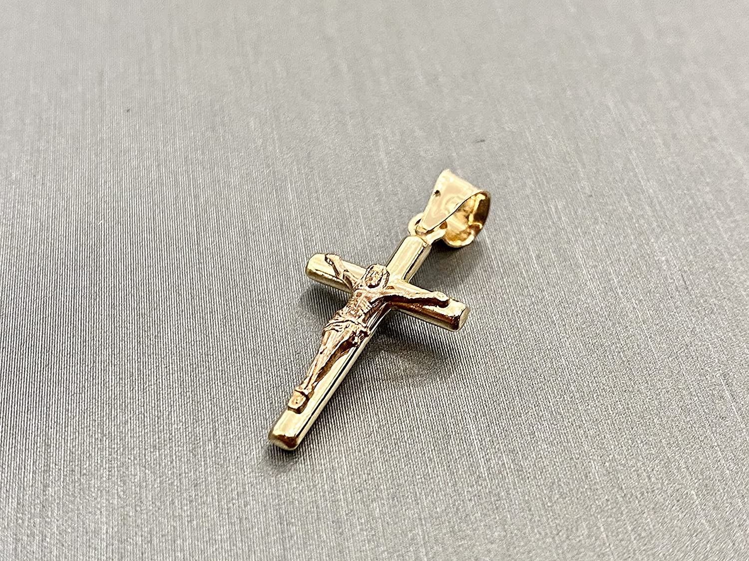 Details about  /14K Yellow and Rose Gold Crucifix Round Religious Pendant with CZ Stones