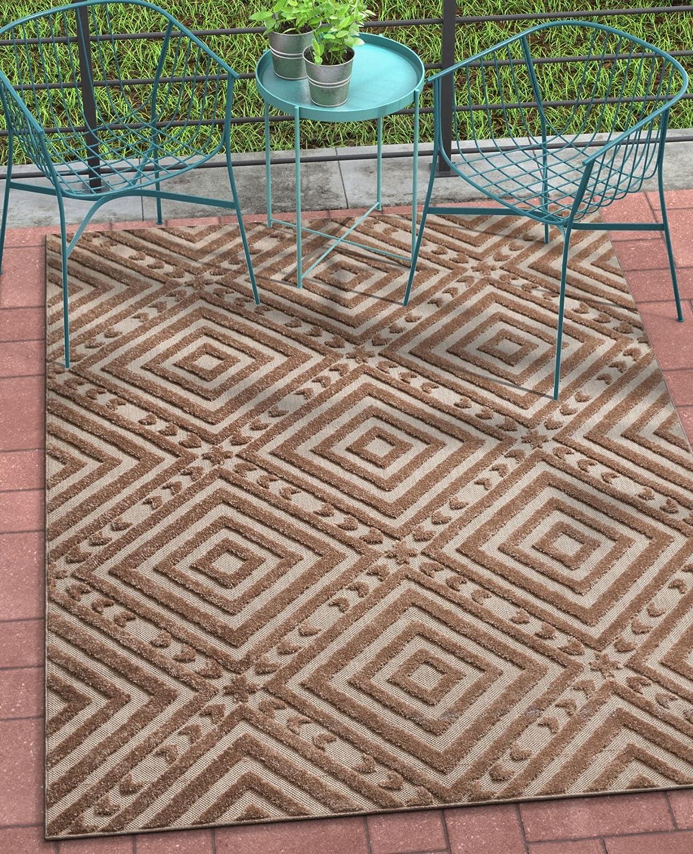 4b64daa52512 Amazon.com: Well Woven Cannes Brown Indoor/Outdoor Diamond Area Rug 5x7  (5'3