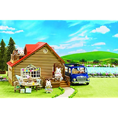 Calico Critters Lakeside Lodge Gift Set: Toys & Games
