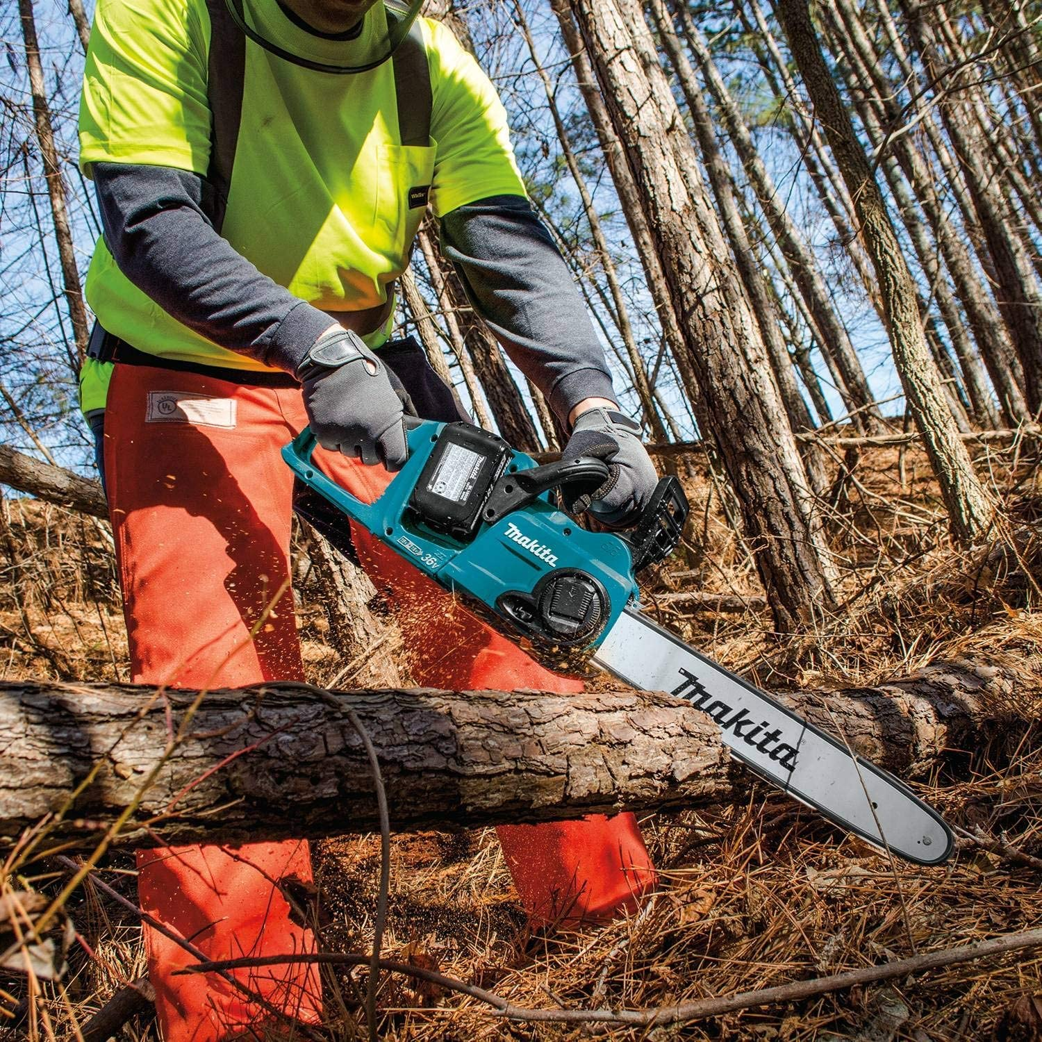 Best Cordless Chainsaw in 2021: Reviews & Buying Guide 7