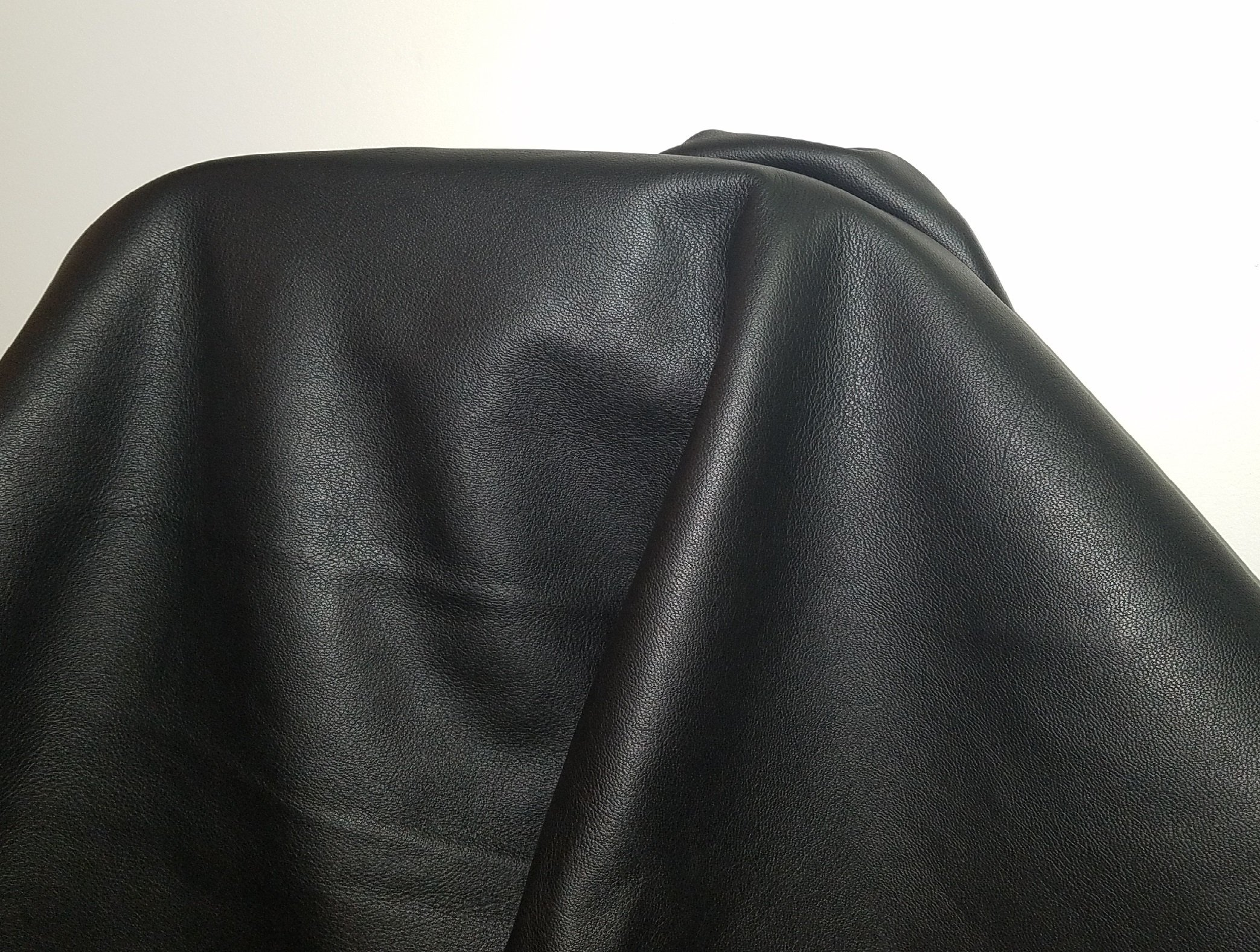 BLACK NAKED GOAT GRAIN COW HIDE LEATHER SKINS 22 SQ.FT. 2.5 -3.0 OZ. UPHOLSTERY BOOKBINDING CHAP NAT Leathers (BLACK)