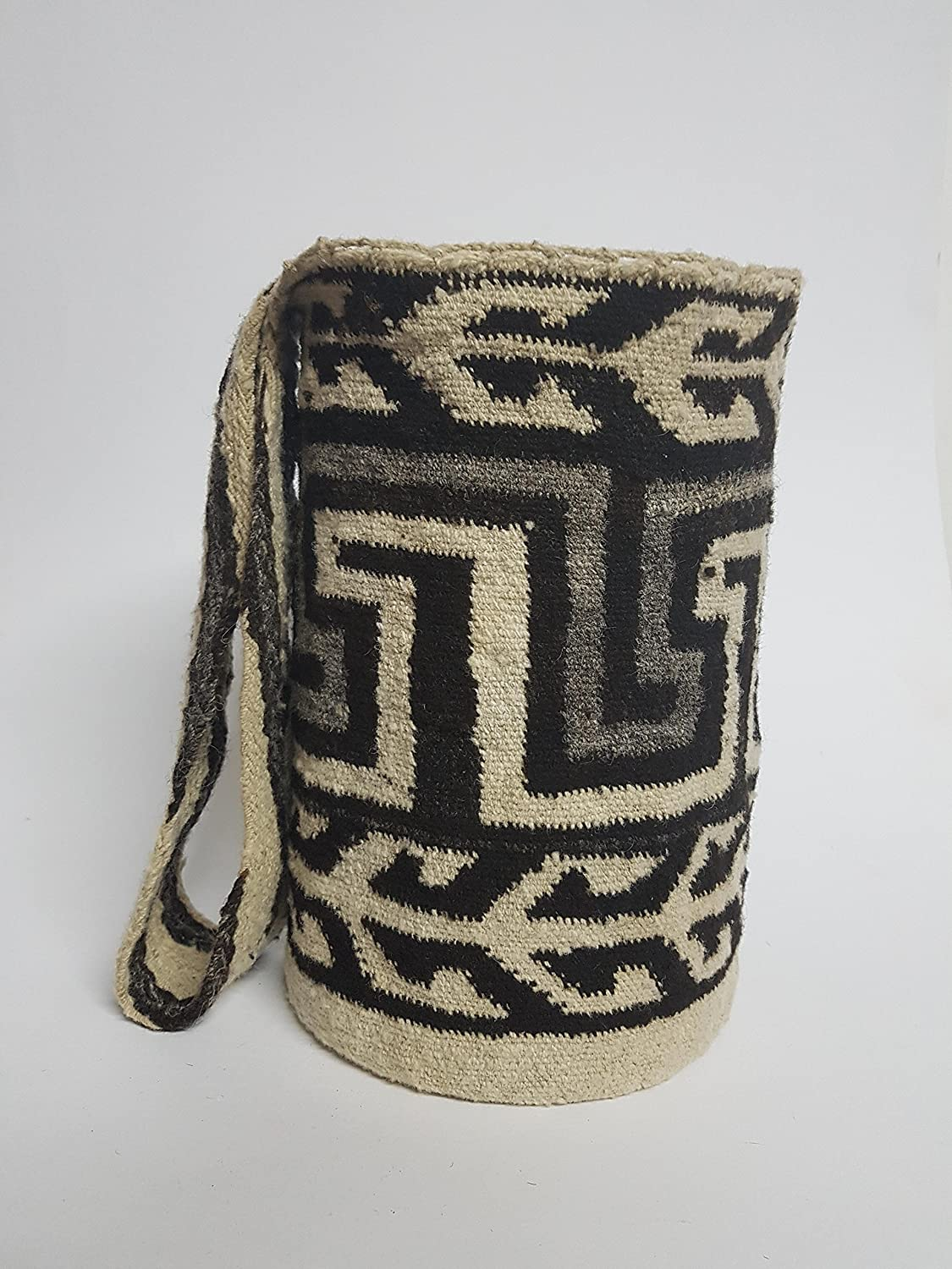 Amazon.com: Authentic Native Colombian Arhuaco handbag - Colombian mochila - Handmade and woven from sheep wool by women - Colombian mochila 320: Handmade