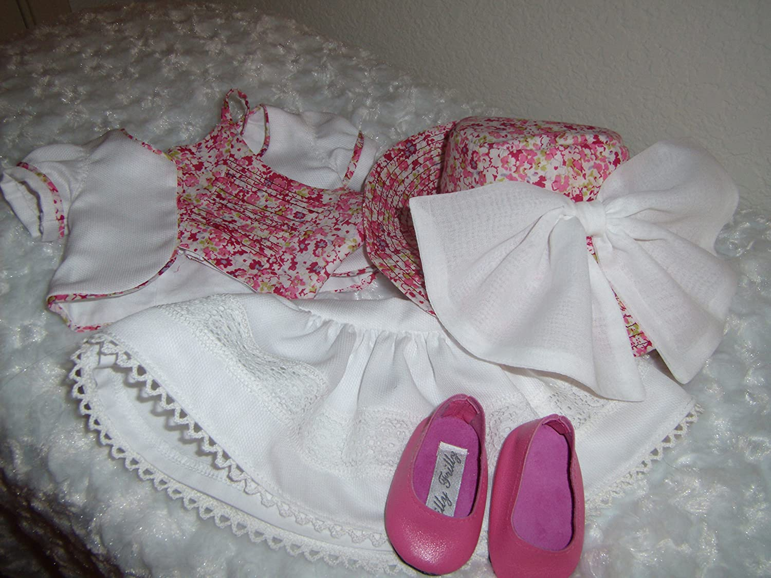 American Made Adorable 5 Piece Outfit for most of your 18 Dolls