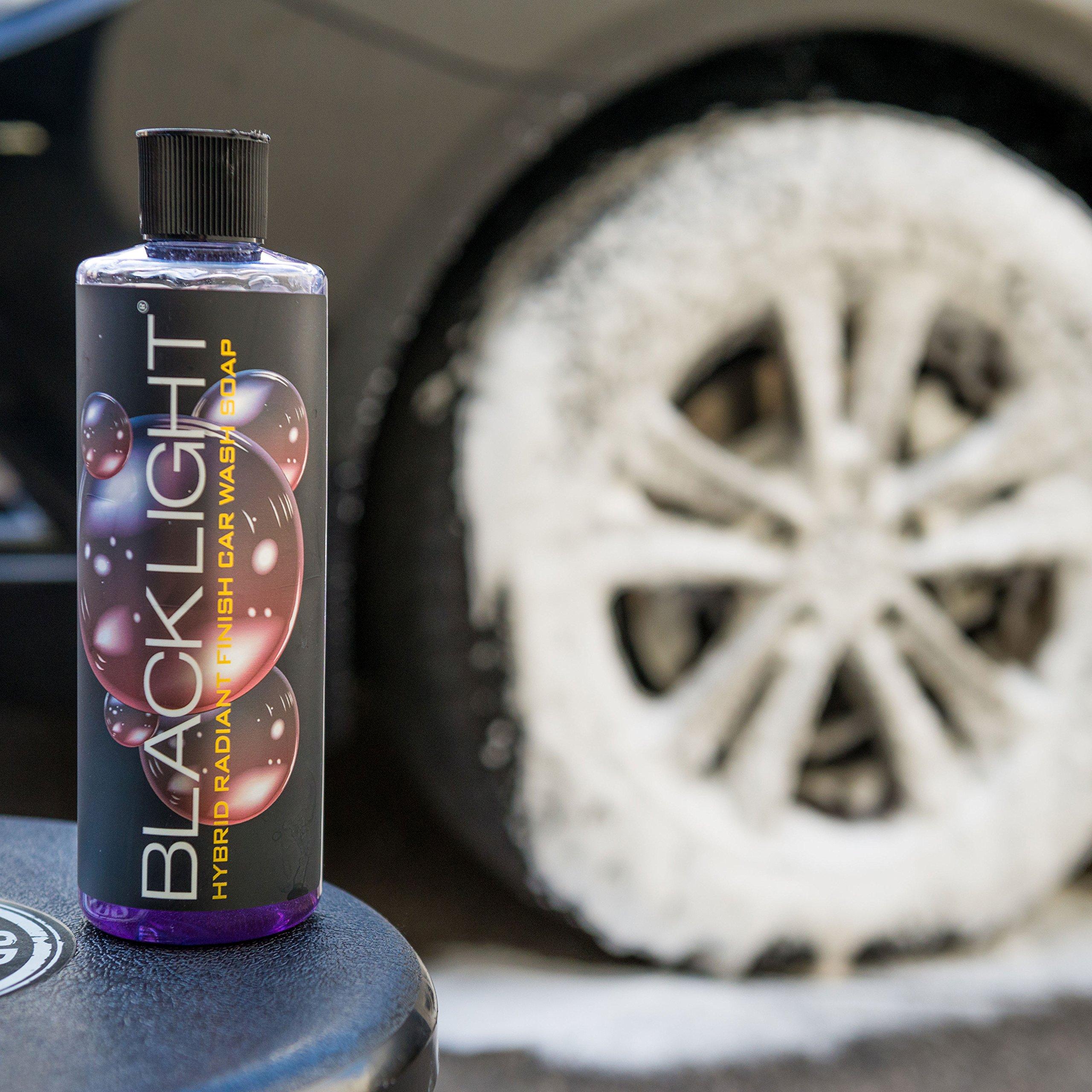 Chemical Guys CWS61964 Black Light Hybrid Radiant Finish Car Wash Soap (64 oz - 1/2 Gallon) by Chemical Guys (Image #2)