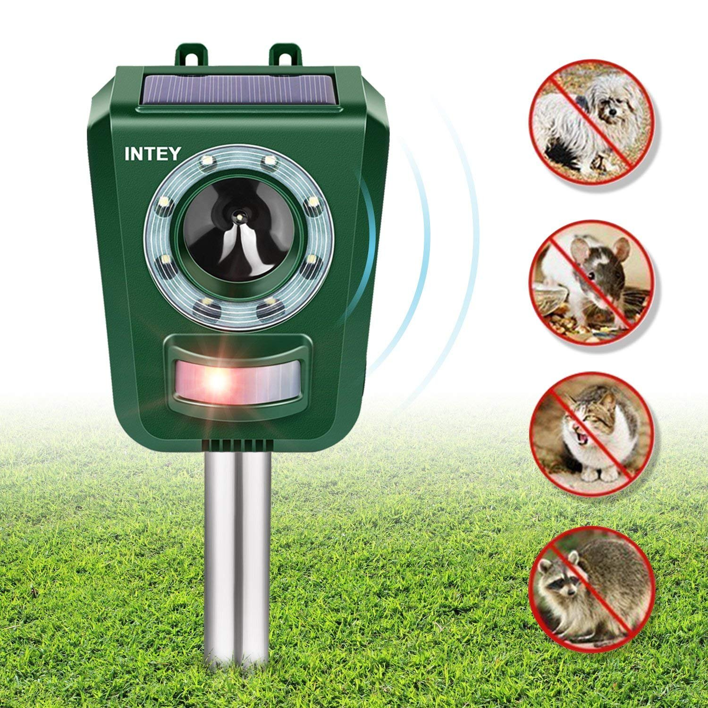 INTEY Outdoor Animal Repellent Solar Ultrasonic Pest Repeller With Strong LED Flashlight Animal Deterrent Device Dog Cat Repellent Waterproof IP44 Design