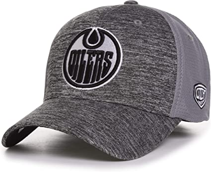 Edmonton Oilers Blizzard Flexfit Hat Size One Size Fits Most Baseball Caps Amazon Canada