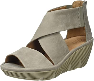 adfd4a81d04c Clarks Women s Clarene Glamor Wedge Heels Sandals  Amazon.co.uk ...