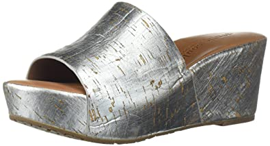 e466ade48a Image Unavailable. Image not available for. Color: Gentle Souls by Kenneth  Cole Women's Forella Platform Slip On Sandal ...