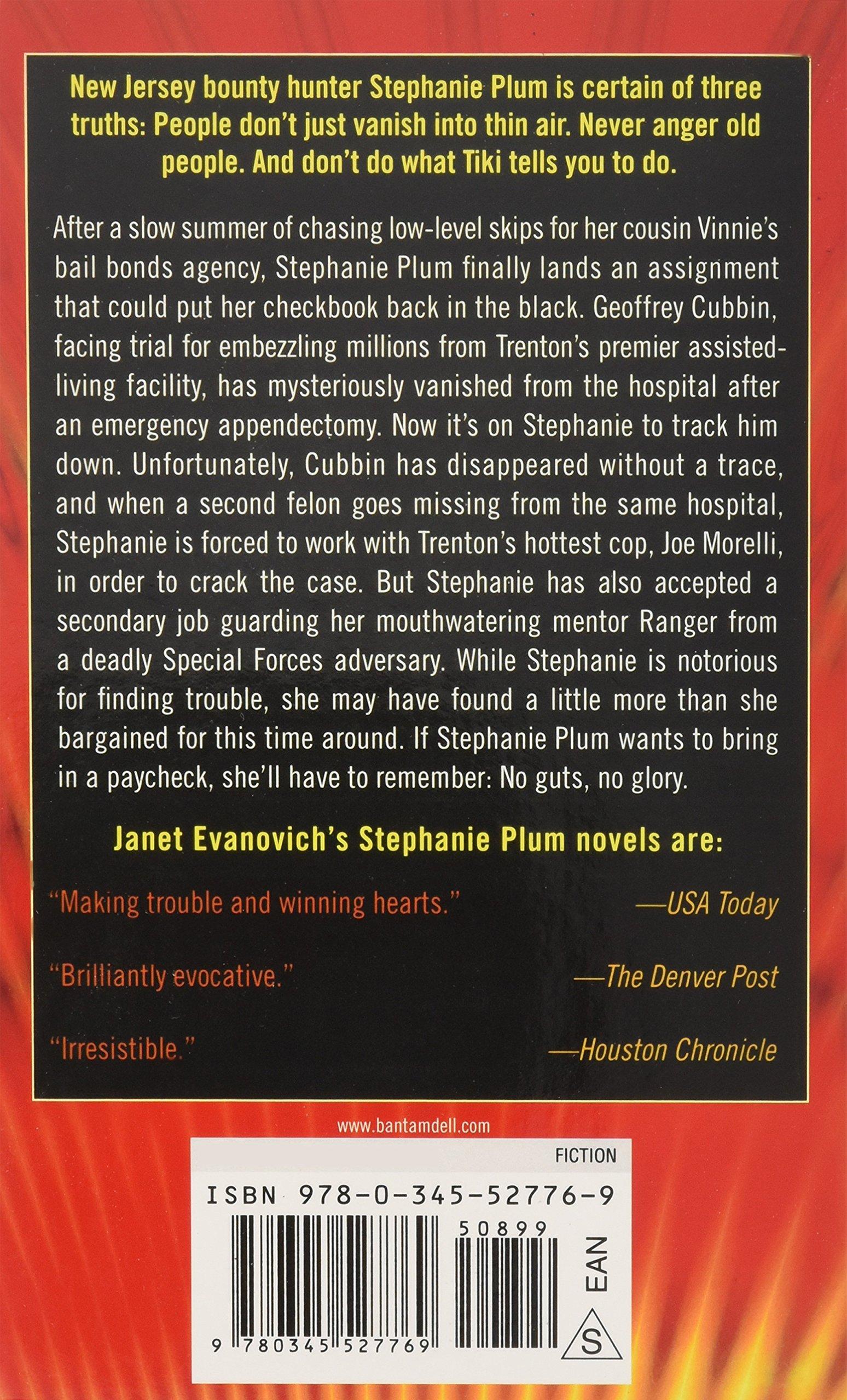 Notorious Nineteen A Stephanie Plum Novel Janet Evanovich 9780345527769 Books