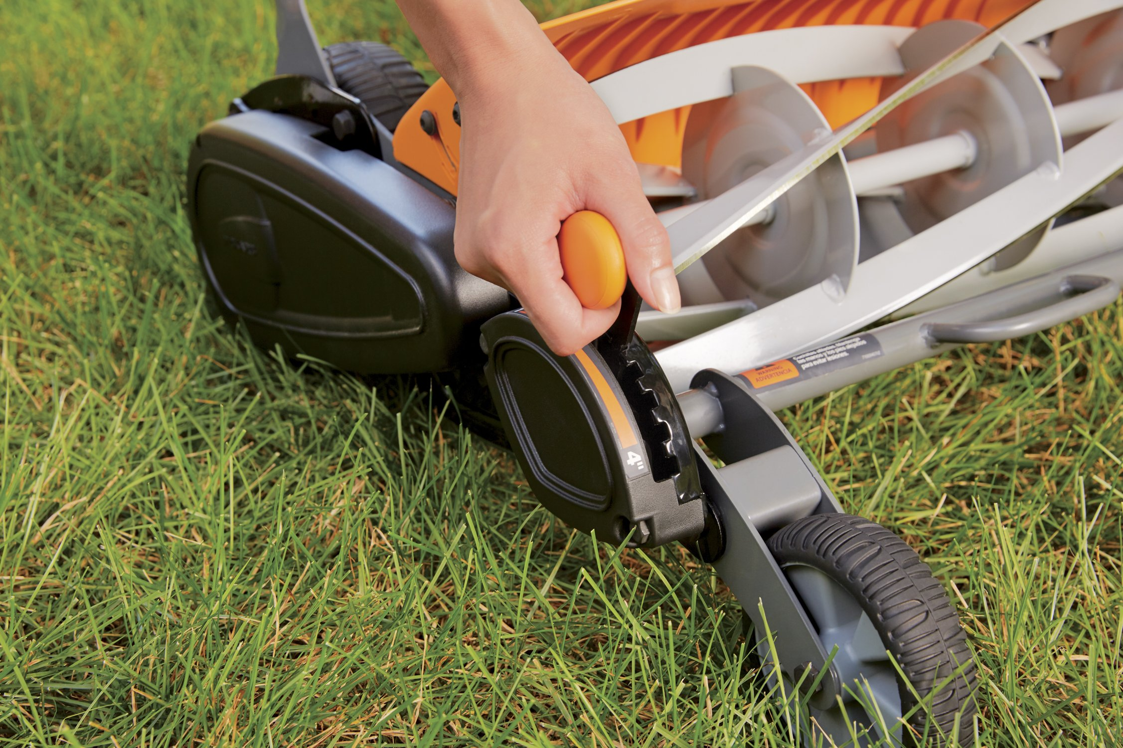 Fiskars staysharp max reel mower 3 the smart design of reel mower offers a cleaner cut without the hassles of gasoline, oil, battery charging, electrical cords or loud engine noise a combination of advanced technologies make the staysharp plus reel mower 40-percent easier to push than other reel mowers patent-pending inertia drive reel delivers 75-percent more cutting power to blast through twigs, weeds and tough spots that would jam other reel mowers